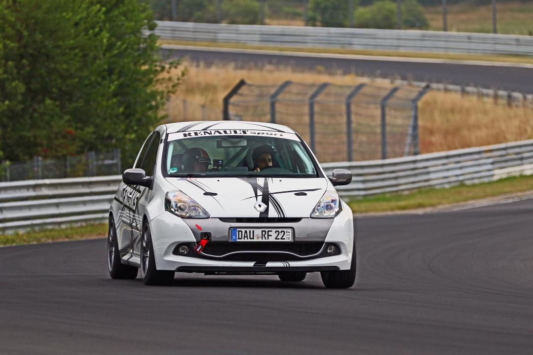 Renault Clio RS200 - Ringfreaks - Race Car Rental Nurburgring